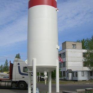 Agas gāzes cisternu pārkrāsošana