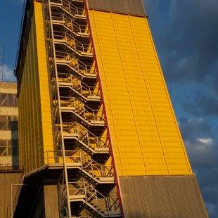 Graudu elevatora metala silosu krāsošana 2000m2